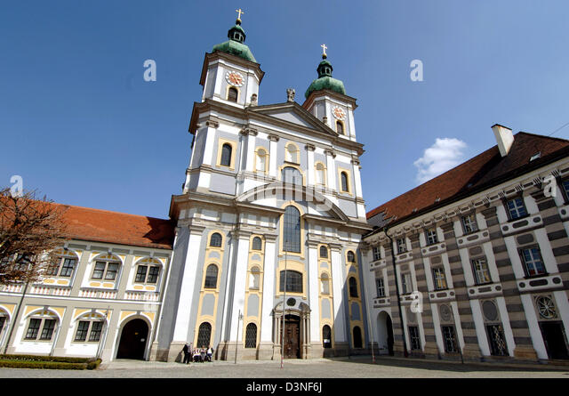 the picture shows the convent basilica near the czech border in waldsassen germany 24 - Bordre Bad Bilder