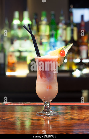 Cocktail mouth stock photos cocktail mouth stock images for Cocktail 222