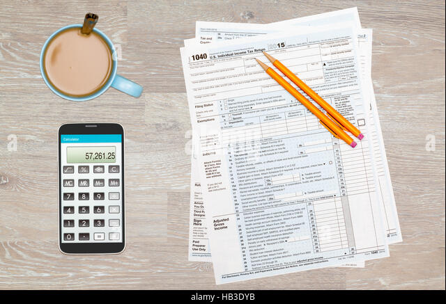 Irs stock photos irs stock images alamy for 1040 tax table calculator