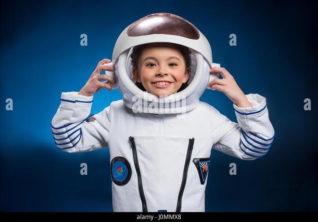 girl in astronaut helmet - photo #31