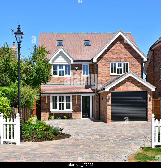 Brentwood essex house stock photos brentwood essex house for 5 bedroom new build homes