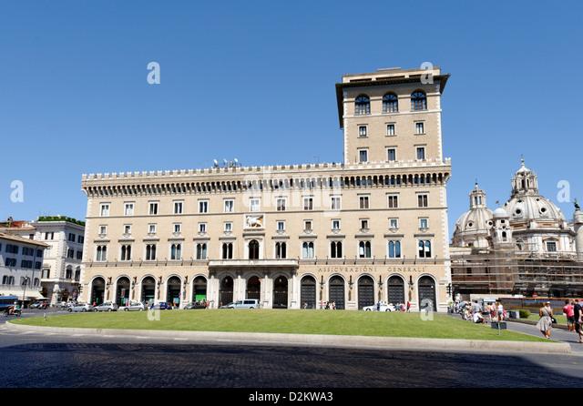 Assicurazioni stock photos assicurazioni stock images for Palazzo delle esposizioni rome italy