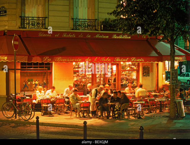 paris waiters stock photos paris waiters stock images alamy. Black Bedroom Furniture Sets. Home Design Ideas