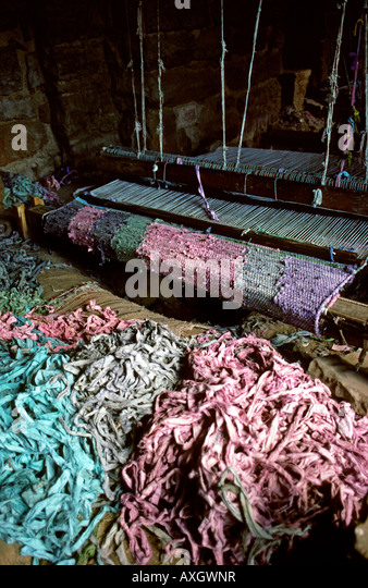 India Uttar Pradesh Crafts Fatehpur Sikri Rag Rug Weaving Loom Under The  Mosque   Stock Image
