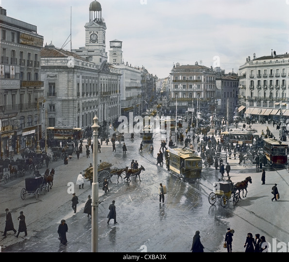 Post office trolley stock photos post office trolley for Puerta del sol madrid spain