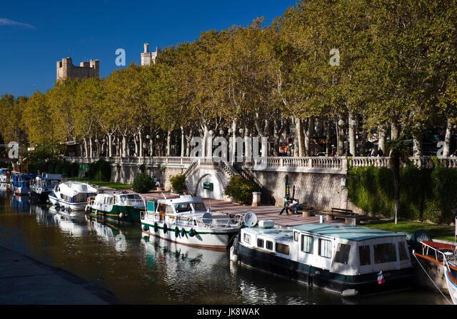France, Languedoc-Roussillon, Aude Department, Narbonne, Canal de la Robine by the Cours Mirabeau - Stock Image
