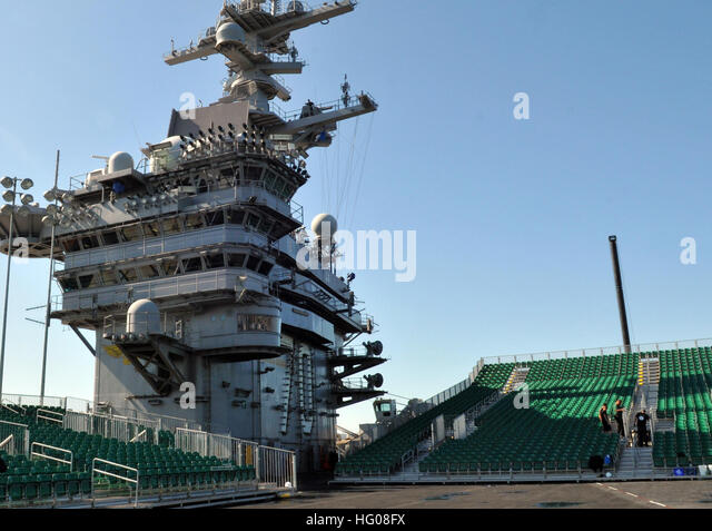 Naval Aircrewman Stock Photos & Naval Aircrewman Stock Images - Alamy
