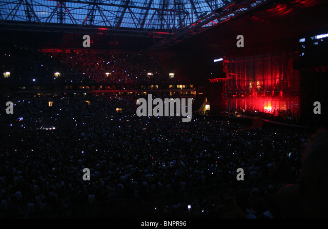 u2 concert stock photos u2 concert stock images alamy. Black Bedroom Furniture Sets. Home Design Ideas