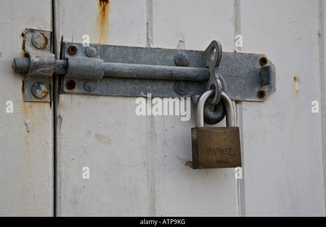 Close-up of padlocked door on a beach hut Worthing West Sussex & Padlocked Door Stock Photos \u0026 Padlocked Door Stock Images - Alamy Pezcame.Com