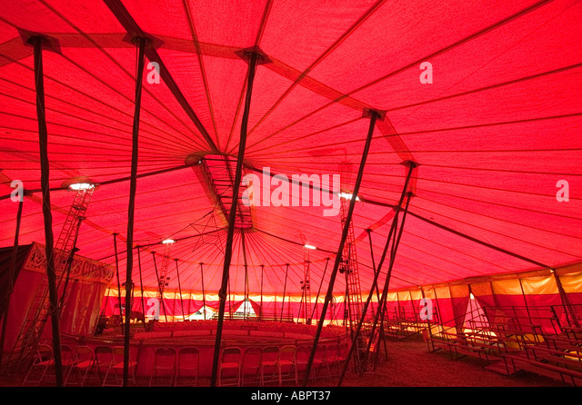 Inside the big top of peter jolly s circus - Stock Image & Circus Big Top Inside Stock Photos u0026 Circus Big Top Inside Stock ...