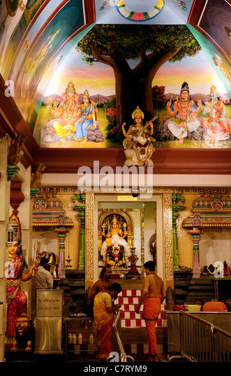 Offering Hindu Temple Stock Photos & Offering Hindu Temple ...