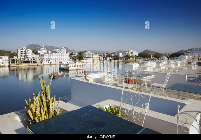 Hotel rooftop stock photos hotel rooftop stock images for 7 hill cuisine of india sarasota fl