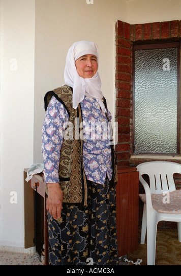 turkish-woman-from-rural-village-in-sout