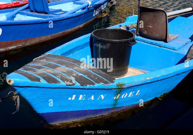Pecheur stock photos pecheur stock images alamy for Miroir aux oiseaux