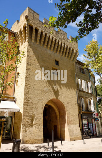 Tour salon stock photos tour salon stock images alamy for Programme neuf salon de provence