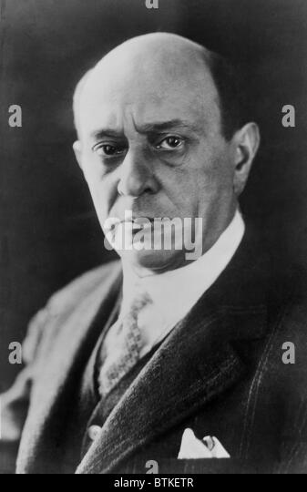 a biography of arnold schoenberg an austrian composer and painter Arnold franz walter schoenberg or schönberg (13 september 1874 – 13 july 1951) was an austrian composer, music theorist, and painter he was associated with the expressionist movement in.