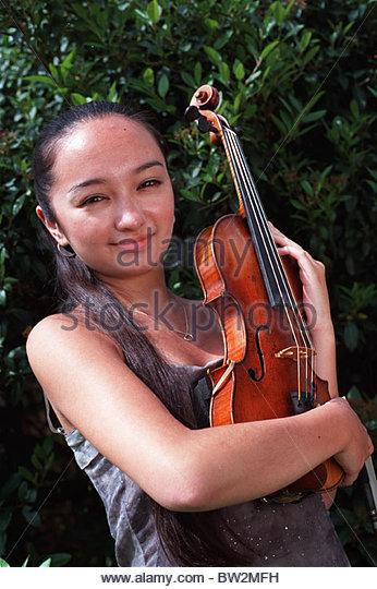 Yukawa Japanese Born 15 Year-old Violinist Prodigy Her Father Japanese ...