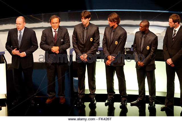 ¿Cuanto mide Kaká? - Altura - Real height  Epa01103983-l-r-prince-albert-ii-of-monaco-uefa-french-president-michel-fk426t