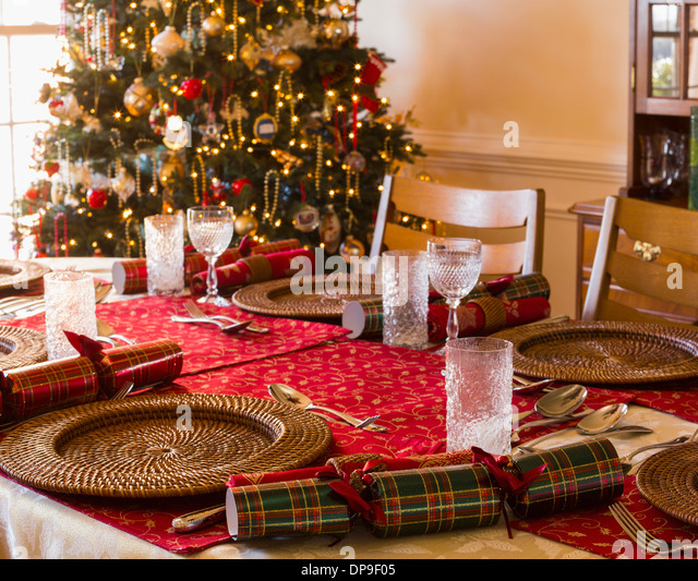 Christmas dinner table at home in the dining room on Christmas Day - Stock  Image