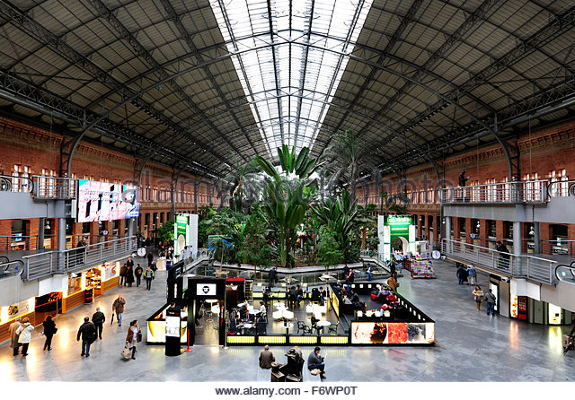 Madrid puerta de atocha stock photos madrid puerta de - Garden center madrid ...