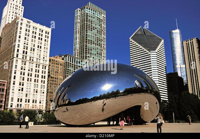 Bean Stock Photos & Chicagos Cloud Gate Sculpture Bean Stock Images ...