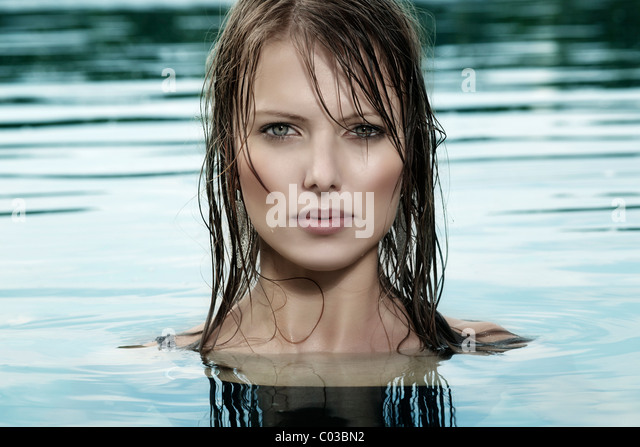 Long Dark Hair Woman Wet Stock Photos Amp Long Dark Hair