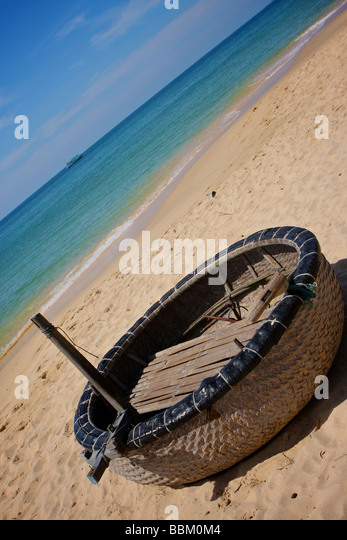 Phu quoc boat stock photos phu quoc boat stock images for Circle fishing boat