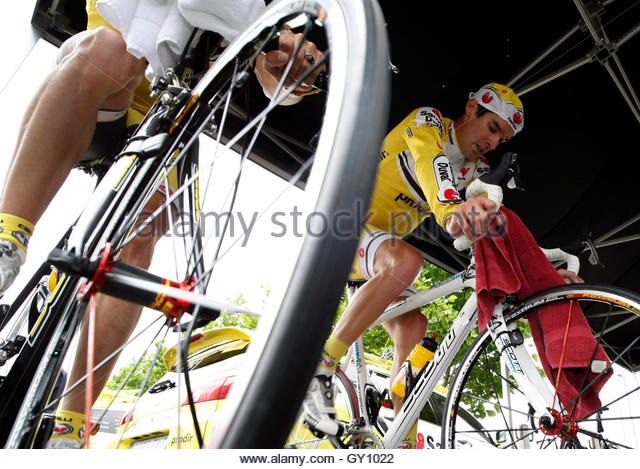 david millar cycling stock photos david millar cycling stock images alamy. Black Bedroom Furniture Sets. Home Design Ideas