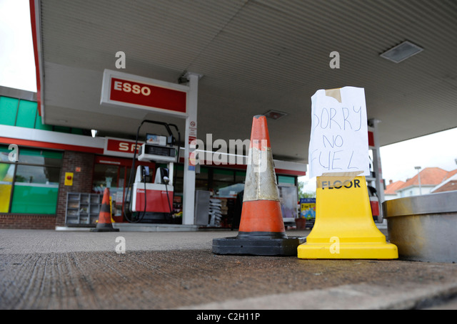 Diesel cars uk stock photos diesel cars uk stock images alamy - Esso garage opening times ...