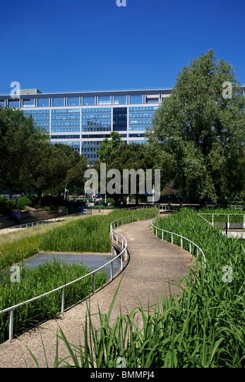 Gare montparnasse stock photos gare montparnasse stock for Jardin atlantique
