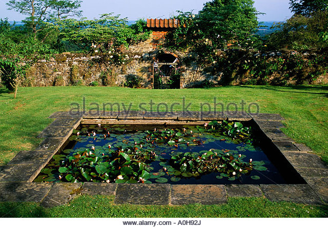 Kent pond stock photos kent pond stock images alamy for Garden pond kent