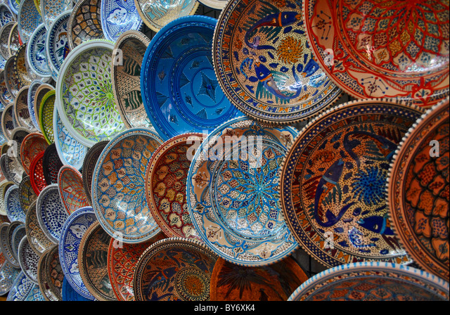 Colourful ceramic pottery in a shop in Sousse Tunisia - Stock Image : colourful dinnerware - pezcame.com