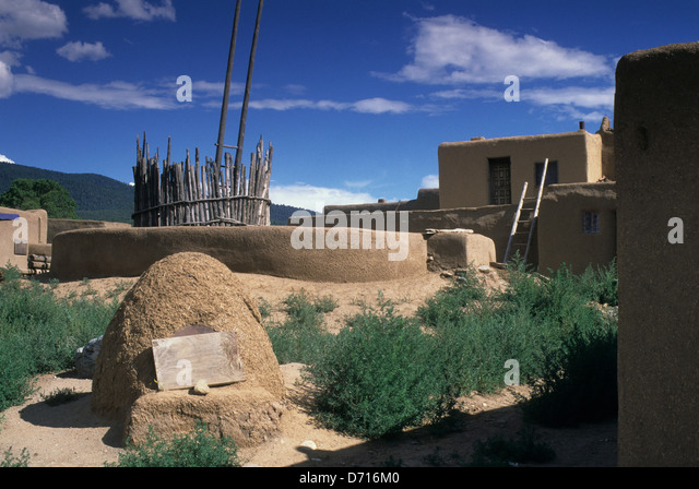 Usa new mexico taos pueblo adobe mudbrick construction for Adobe construction pueblo co