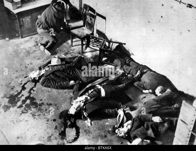 saint valentine s day massacre The saint valentine's day massacre is the name given to the death of seven people as part of a prohibition era conflict between two powerful criminal gangs in chicago.