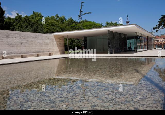 Barcelona pavello mies van der rohe the pavilion exterior stock
