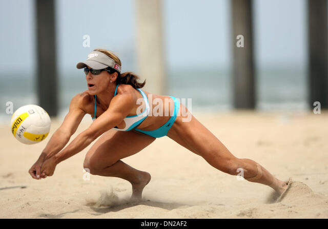 may 27 2006 huntington beach ca usa holly mcpeak at the