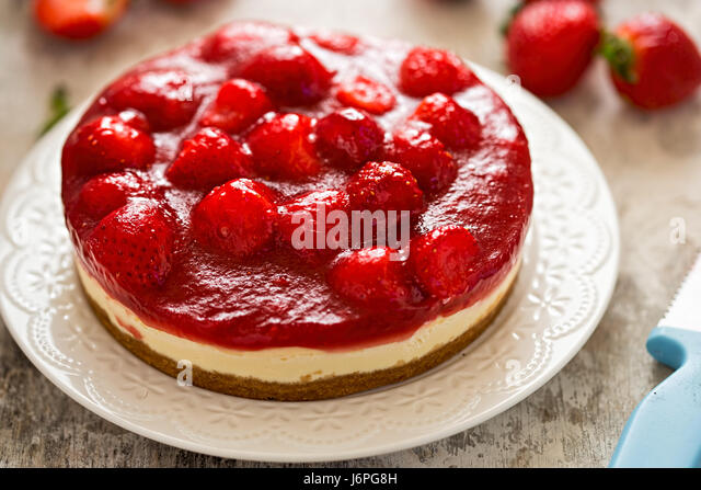 Strawberry cheesecake on shortcrust pastry - Stock Image