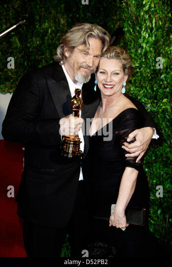 Actor Jeff Bridges And His Wife Susan Geston Arrive At The Vanity Fair  Oscar Party At