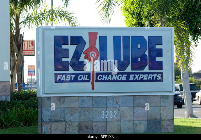Lube stock photos lube stock images alamy for Motor city quick lube
