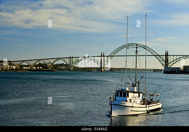 Yaquina bay stock photos yaquina bay stock images alamy for Newport pier fishing