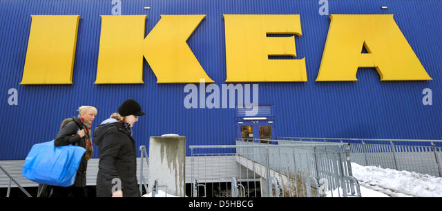 ikea customers stock photos ikea customers stock images alamy. Black Bedroom Furniture Sets. Home Design Ideas