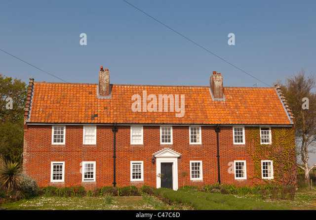 Red brick house uk stock photos red brick house uk stock for 6 the terrace walberswick