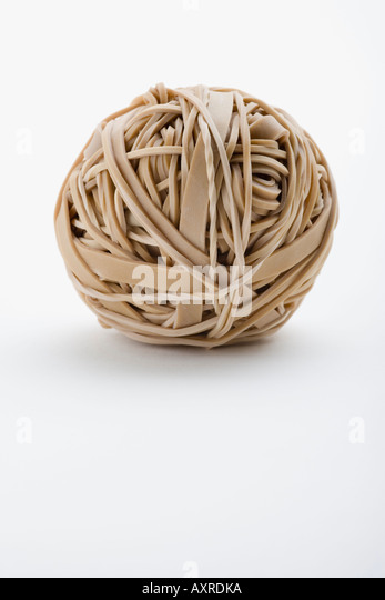 how to start an elastic band ball