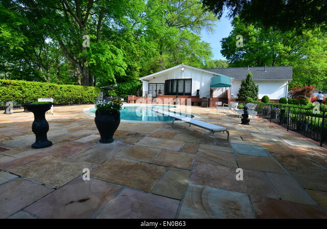 Home Pool Kidney Pool Stock Photos Home Pool Kidney Pool Stock Images Alamy