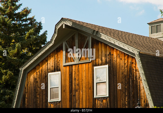 Wood siding stock photos wood siding stock images alamy for Natural wood siding