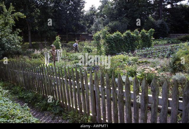 Landscape Gardening Apprenticeships : Quarry bank mill stock photos