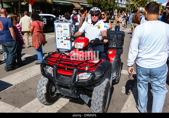 Ny Uniform Traffic Ticket >> Usa Police Uniform Stock Photos & Usa Police Uniform Stock Images - Alamy