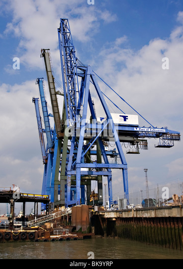 Quayside Giants Container Cranes On The Quay At Felixstowe Stock
