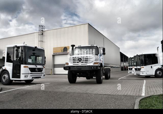 Mercedes benz factory stock photos mercedes benz factory for Mercedes benz factory in alabama