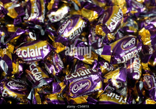 Cadbury Chocolate Wrappers Stock Photos & Cadbury Chocolate ...